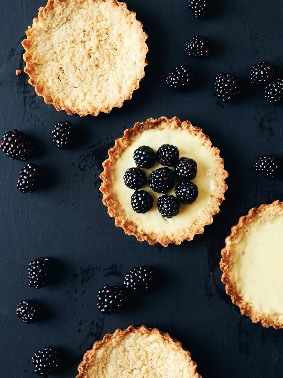 Fresh Blackberry and Vanilla Bean Custard Tarts | Flavors of Light