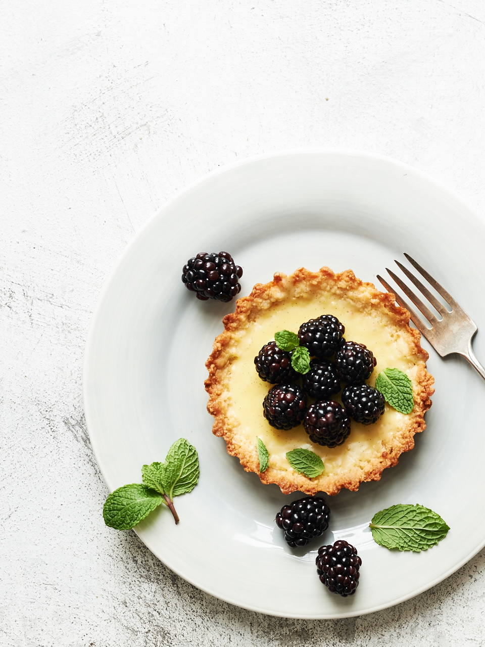 Fresh Blackberry & Vanilla Bean Custard Tarts | Flavors Of Light